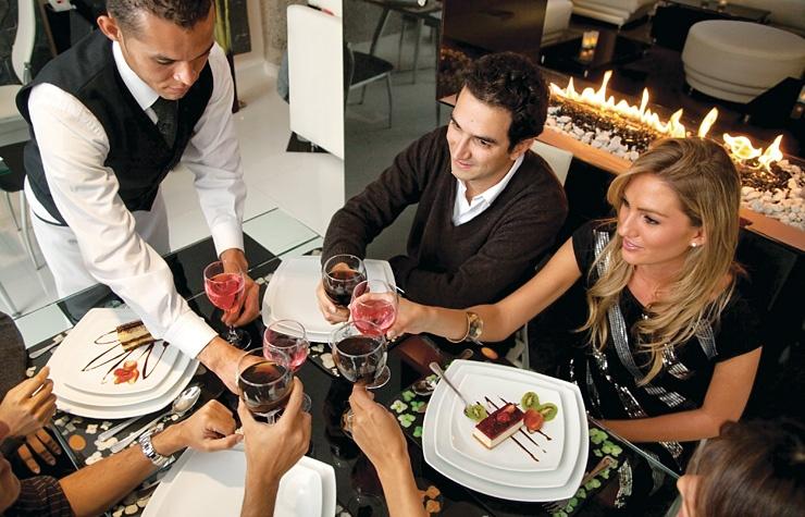 495f1d65ccb Kultura stolování  Jak se chovat v restauraci  - Obchodní a zábavní zóna  Čestlice