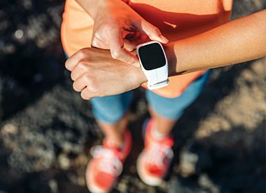 Fitness náramky vám pomohou sledovat váš pohyb a zaznamenají postupné zvyšování vaší kondice, což vás motivuje k ještě lepším výkonům... Se sporttestery si lze naplánovat i optimální efektivní trénink.