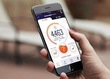 Pokud při sportování používáte aplikaci do mobilu, je vhodné si na mobil pořídit speciální uchycovací pásky či pouzdra, která se dají umístit na paži, takže vám při pohybu nepřekáží, ale zároveň je smartphone snadno dostupný.